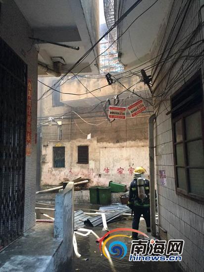 发生火灾的居民楼(南海网记者陈望摄)