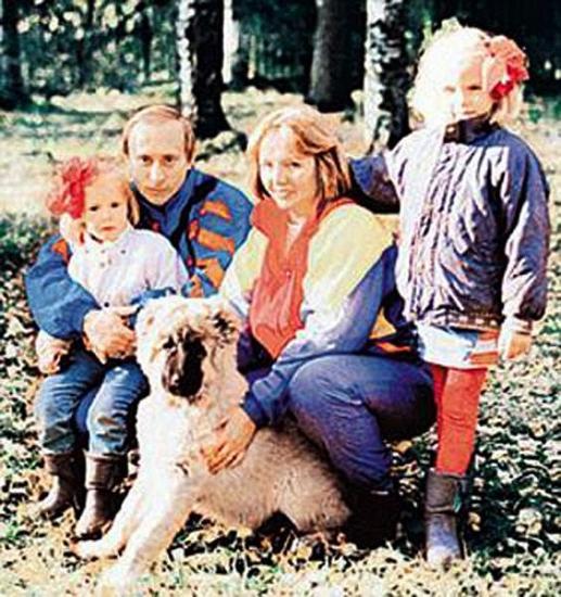 面对家人和小动物又体现出温柔的