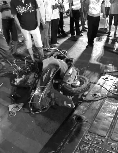 事故现场(南国都市报记者石祖波摄)
