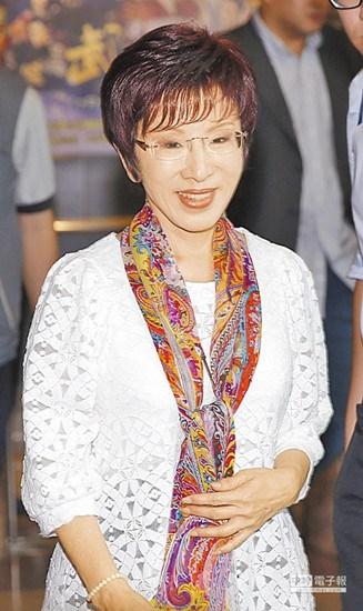台湾政界女性单身比例高 洪秀柱:结婚不是买菜