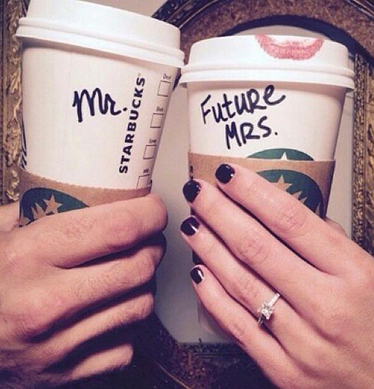 最日常的星巴克咖啡也能变成秀恩爱利器