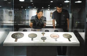 博物館展出的古代中國和日本的銅鏡