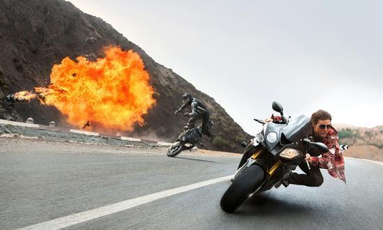 摩托车追击戏神似《碟中谍2》