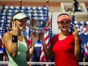 美网辛吉斯伙伴米尔扎染指 17年后再夺女双冠军