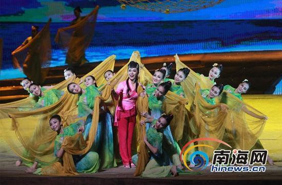 大型原创民族歌剧《南海哩哩美》演出剧照(南海网记者陈望摄)