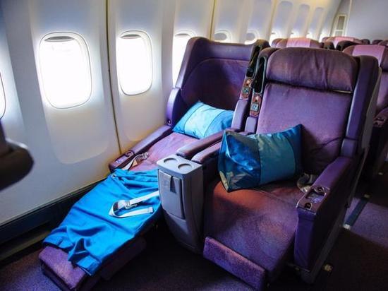 尚品 度假酒店 > 正文    3)不用飞机上的枕头和毯子   在《华尔街