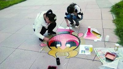 地上涂鸦图片素材