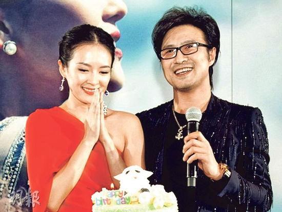 汪峰(右)分享新歌,章子怡(左)帮爱郎宣传。