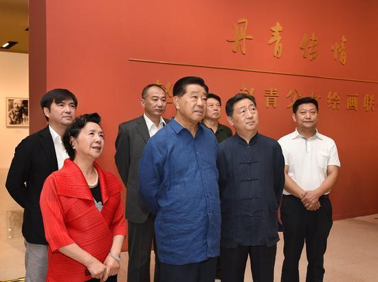2015年9月7日上午,贾庆林同志来我馆视察参观