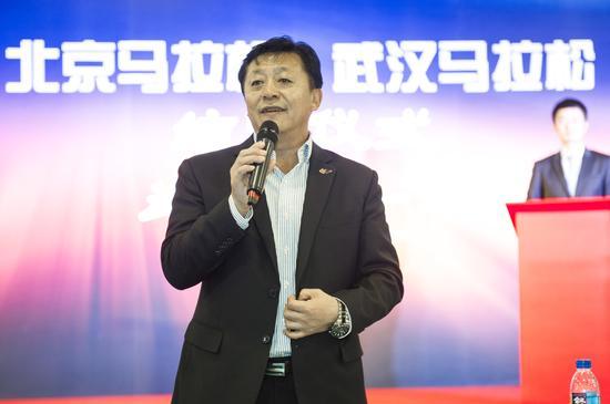 国家体育总局田径运动管理中心主任 杜兆才先生。