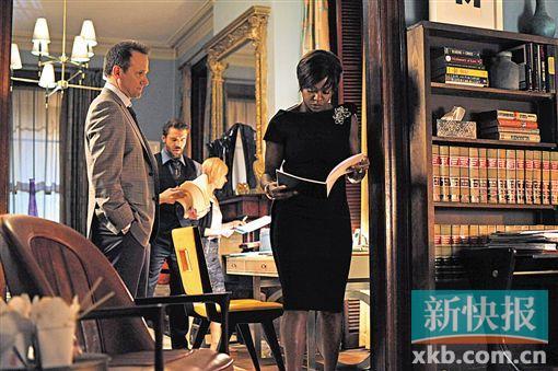 维奥拉·戴维斯在《逍遥法外》中饰演法学女教授