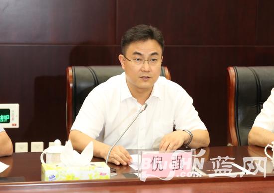 海口市委副书记、市长倪强(陈锐 摄)