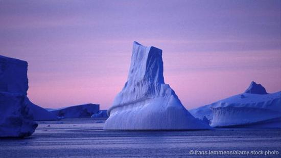 南极洲上的冰川冰冻时间已长达数百万年。