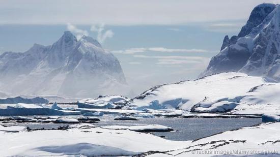 如果南极洲冰川融化,海平面将大幅上升。