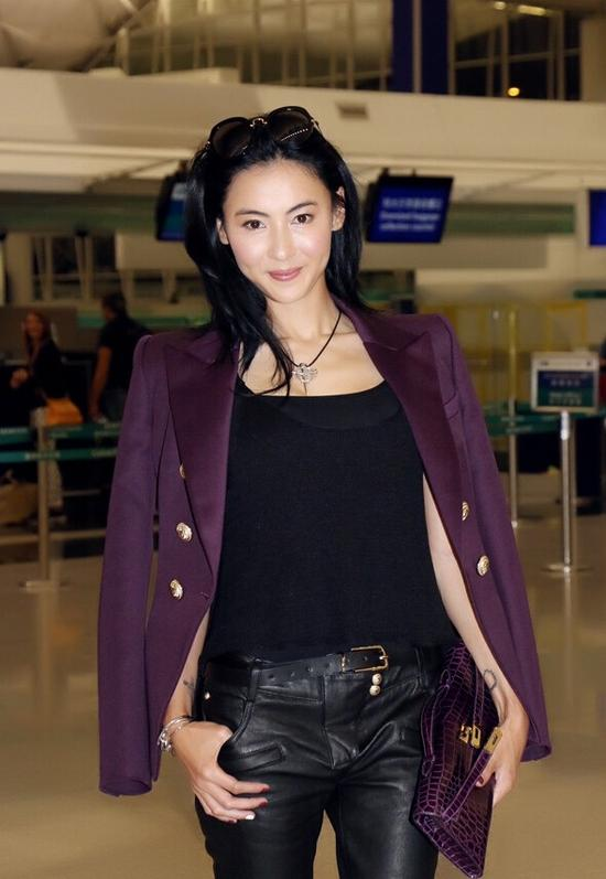 张柏芝现身机场参加米兰时装周