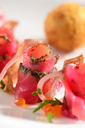 熏三文鱼球, 海芦笋沙拉及酸奶汁-北京瑜舍Sureno餐厅推出全新零