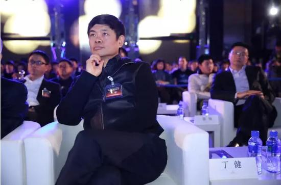 丁健:中国不能只重商 发展还是要靠科技进步