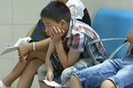 7岁调皮男孩肛门里塞圆珠笔 怕被责骂忍一个月