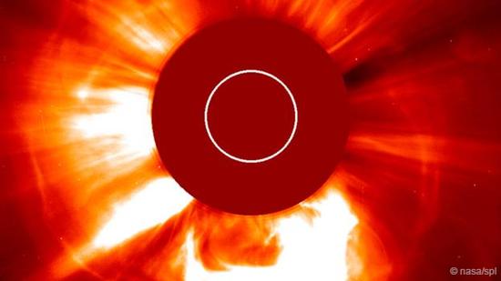2003年10月28日发生的一次太阳爆发事件