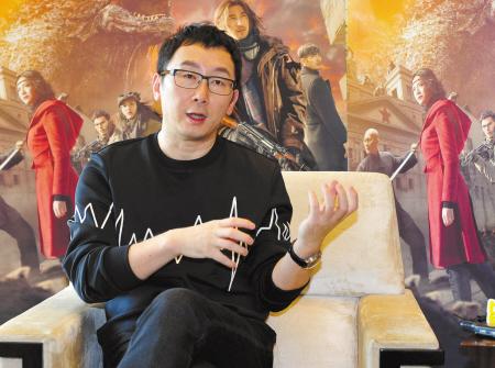 昨天,陆川接受本报记者采访。记者 胡龙召 摄