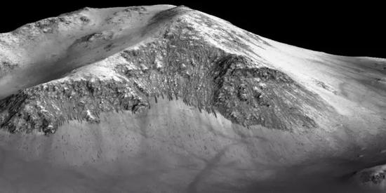 火星上的暗窄条纹(供图/NASA)