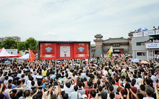 大中华冠军王美银在汉中拜将台