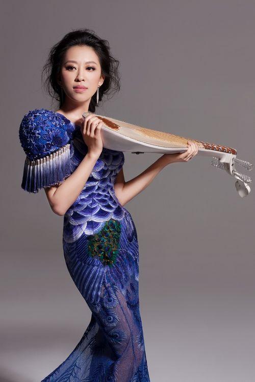 中国国家交响乐团首席指挥李心草[微博],中国著名琵琶演奏家赵聪作为