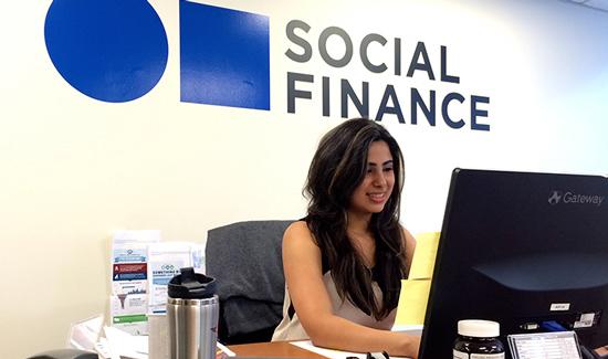 SoFi融资10亿美元:软银领投 人人网跟投