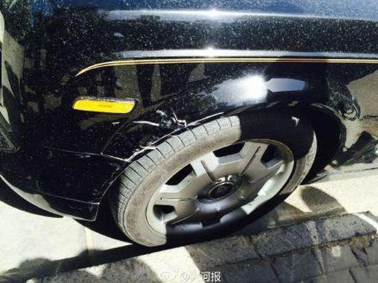 奥迪撞到劳斯莱斯估损约10万 奥迪车主当场吓蒙(图)