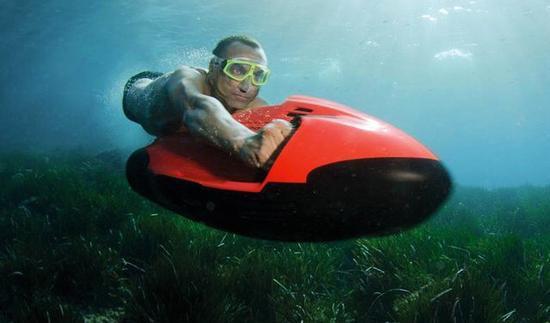 化身特工Seabob水下推进器