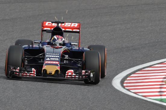 马克斯-维斯塔潘驾御F1赛车参赛