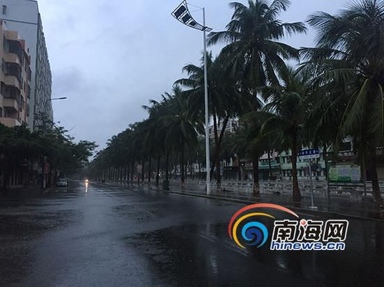 文城持续下雨,目前没有造成积水(南海网记者陈望摄)