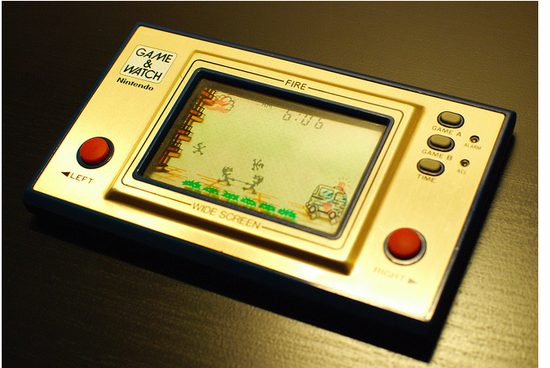 索尼PS Vita的對手是手游?或不像任天堂小而美