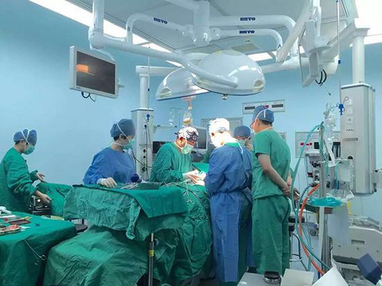 肺移植手术中。