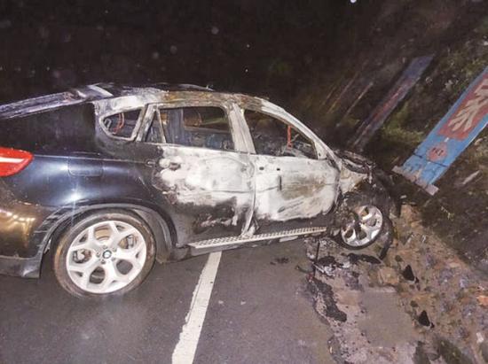 单方肇事事故_向社会通报一起致司机受伤,车辆自燃报废的单方交通事故.