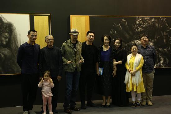 徐锦江、艺术家孙浩及友人