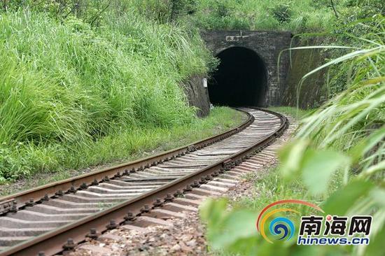 昌江县石禄,日本人侵略海南,掠夺石禄铁矿时修建的老铁路。海南日报记者张杰摄