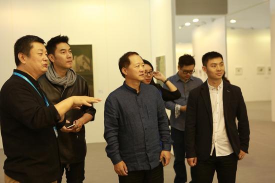 中央美术学院教授赵力、林依轮、时尚传媒集团总裁刘江、芭莎艺术主编孙国胜