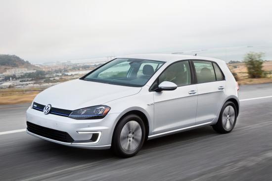 大众已经推出了纯电动版的高尔夫,但该车满电续航较短,不到200公高清图片