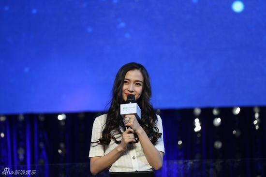 """新浪娱乐讯 14日,Baby在上海参加活动时回应整容传闻:""""其实关于整容的种种不真实报道,以前就有很多,现在法院让做面部鉴定,我也会配合"""""""