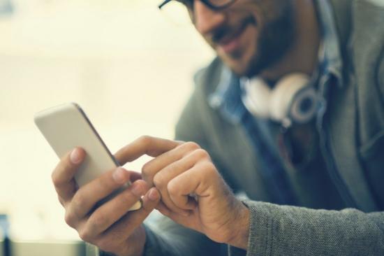 网聊用啥开场白:男性喜欢直接 女性爱聊美食