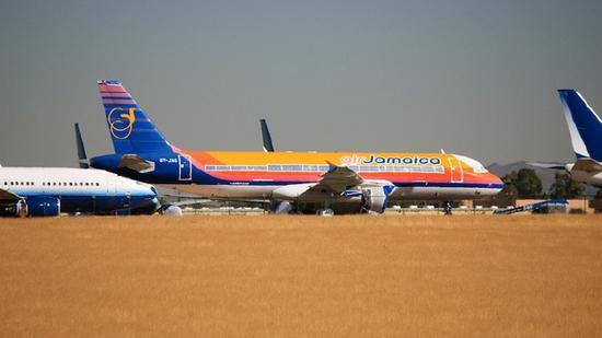 拉各斯机场_他们说至少有65架,其中拉各斯国际机场至少有13架.