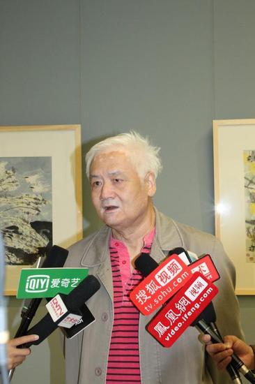 著名花鸟画家王盛华接受媒体采访