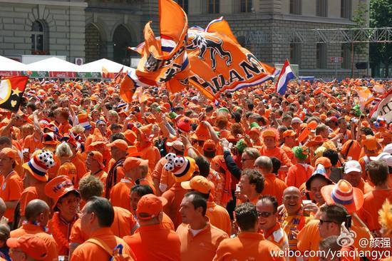 颜强:荷兰无缘欧洲杯因范加尔挂印