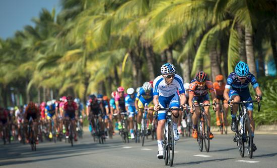 环海南岛国际公路自行车赛开赛 阿联酋车手夺首赛段冠军