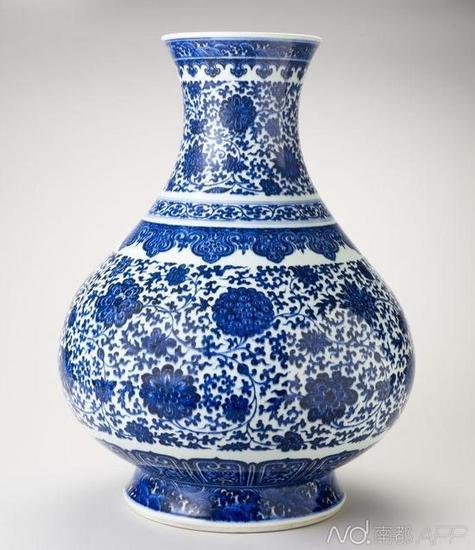 大清驻美大使张彦宏赠送给维多利亚女王的青花瓷品
