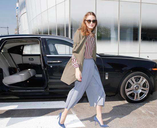 高跟鞋配合帅气的阔腿裤也有不错的效果