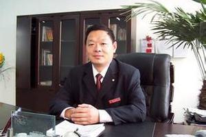 山东省聊城市的嘉明经济开发区第一实验小学校长李志猛取消了一二年级的数学课。