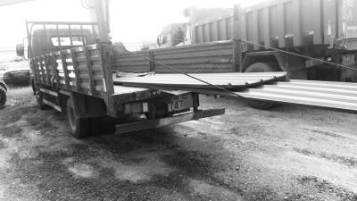 肇事货车2米多长铁皮锋利似刀