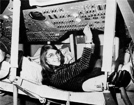 她寫的代碼把人類帶上了月球
